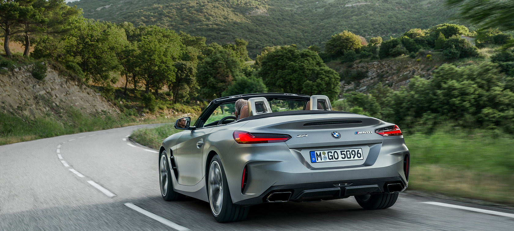 BMW Z4 M40i G29 2019 Cabrio BMW Individual Frozen Grey metallic three-quarter rear view